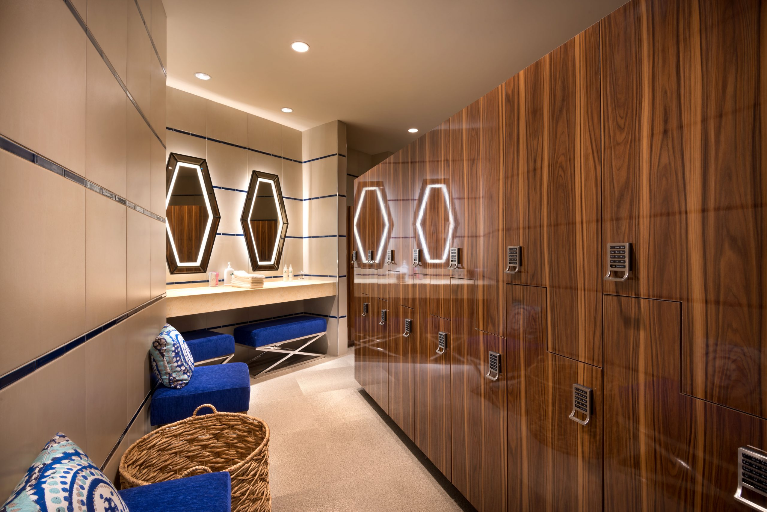 Spa del Lago Locker Room